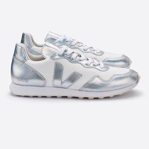 Veja // SDU Hexa Mesh Sneaker in White/Unicorn